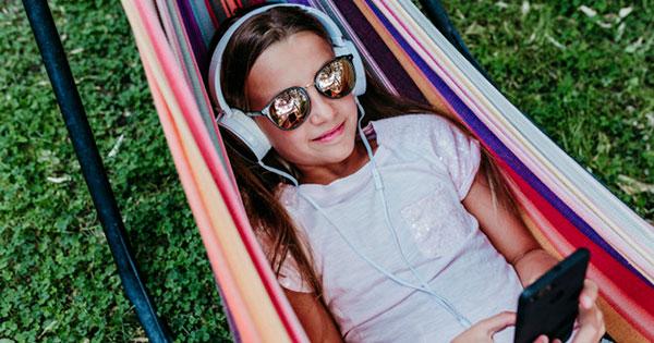 children-enjoy-music