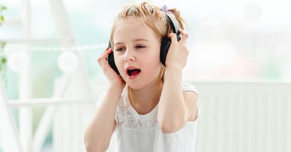 children-likes-music