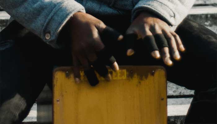 street-cajon-player